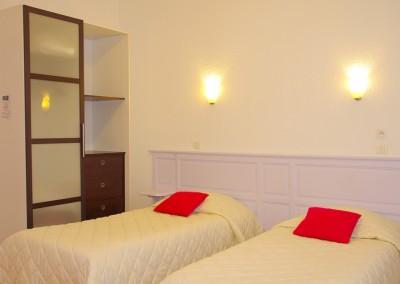 Nos chambres sont confortables et équipées de salles de bains privatives