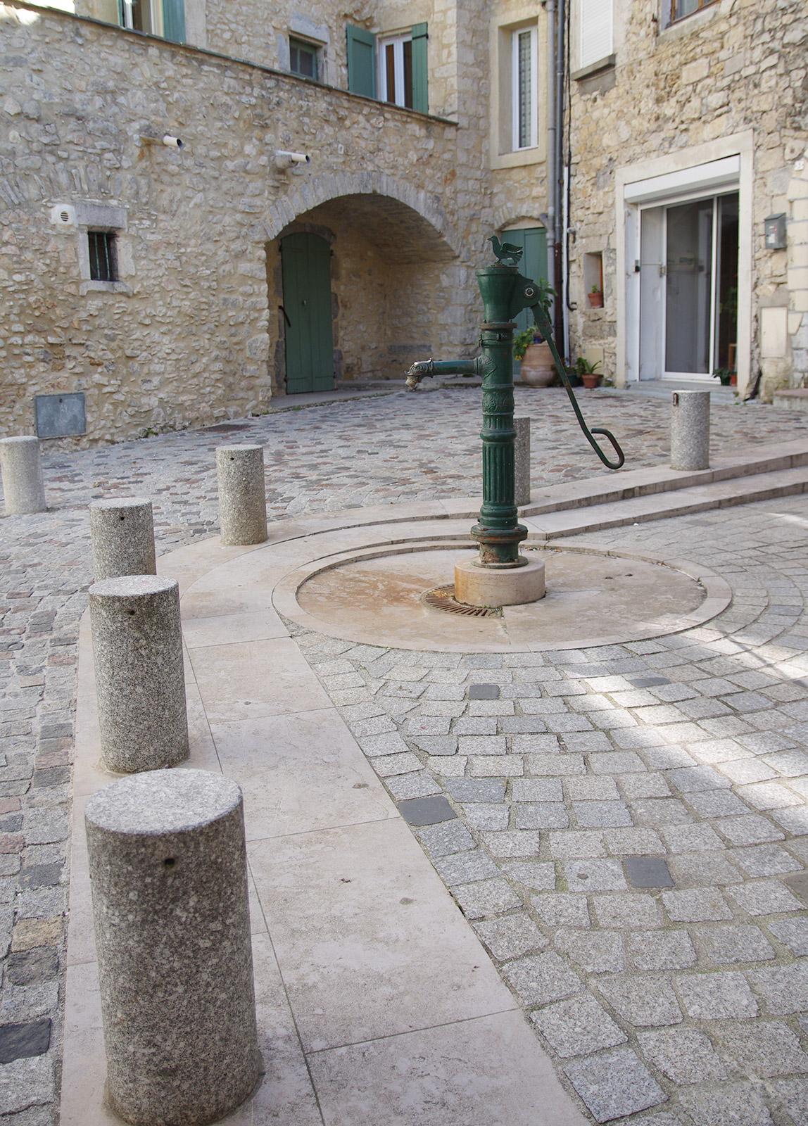 Notre hôtel est situé à Quissac, au cœur du Gard et aux pieds des Cévennes